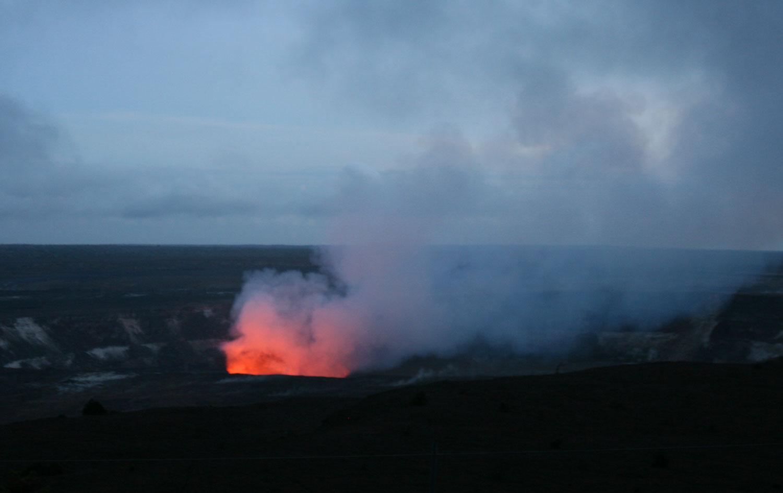 Big-Island-Vulkan-bei-Nacht