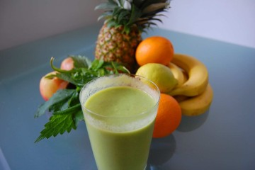 Green Smoothie mit Wildkräutern