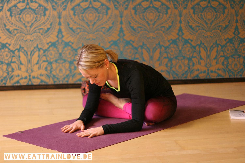Faszientraining-mit-Yin-Yoga-Lotus