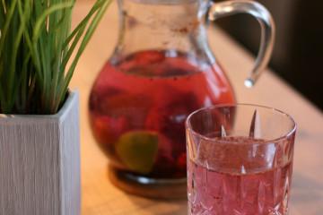 Beeren-Limetten-Wasser