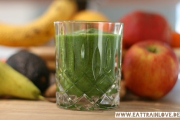 Green-Smoothie-im-Glas
