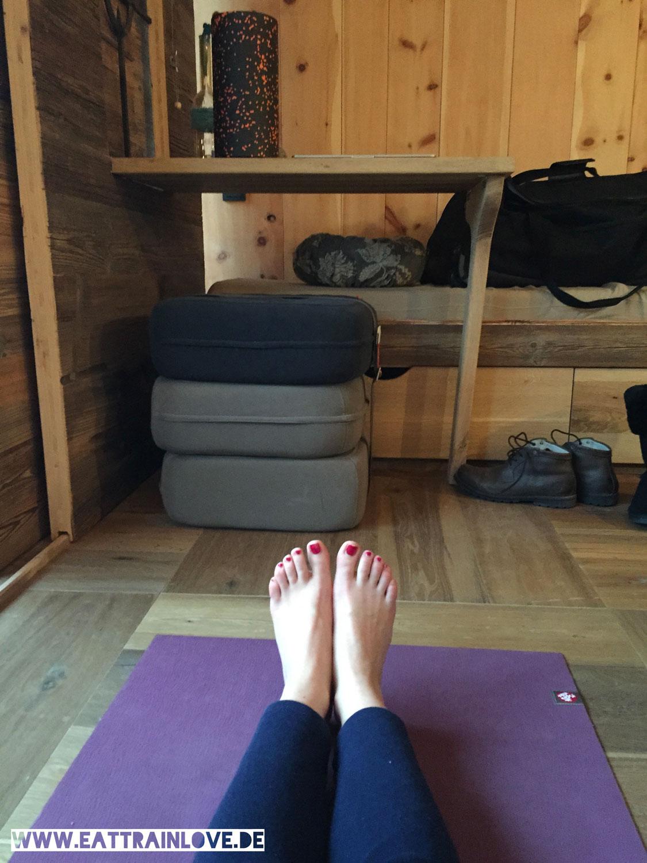 Mama-Thresl-Morning-Yoga