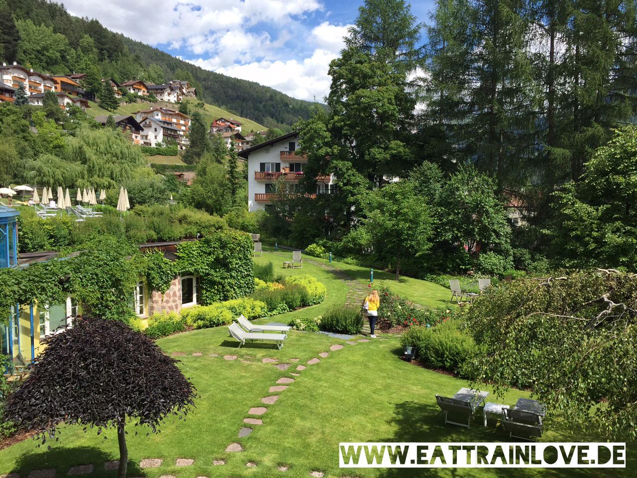 Adler-Dolomiti-Garteansicht