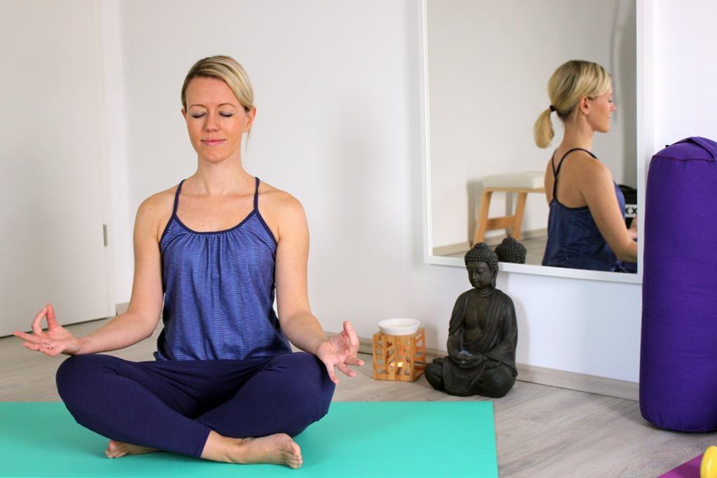 was-trage-ich-beim-yoga