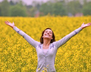 Glücklich sein ist deine Entscheidung und du triffst sie durch die Wahl deiner Gedanken