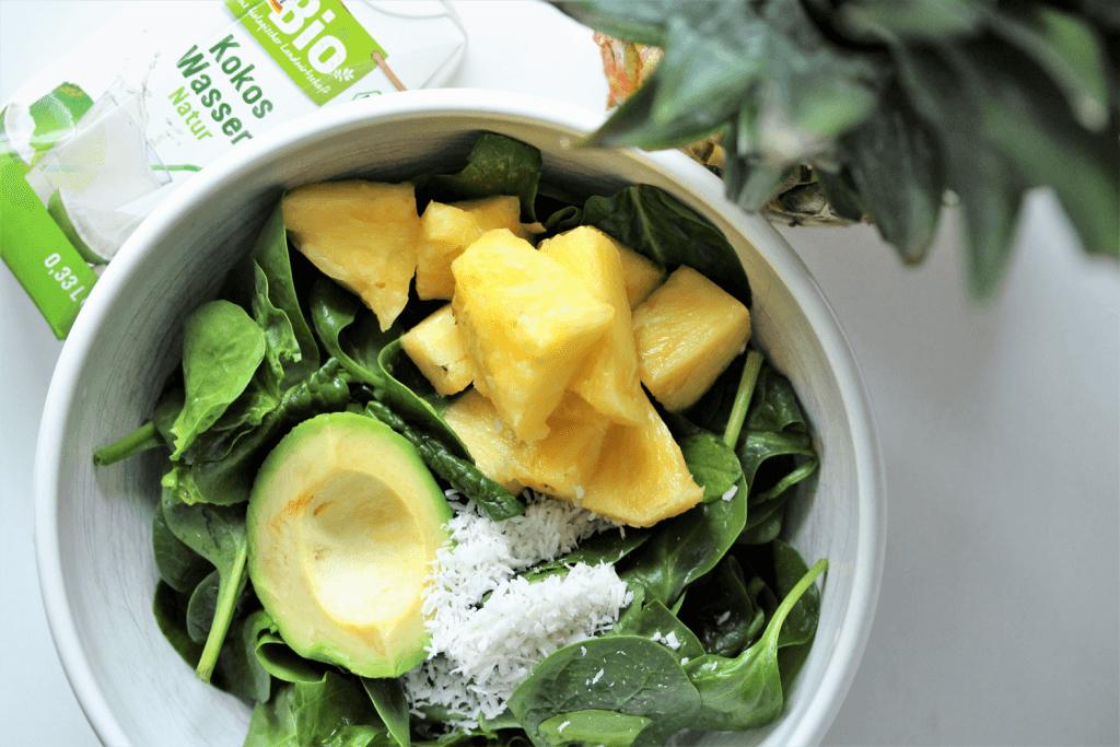 Grüner Sommersmoothie inklusive Rezepte