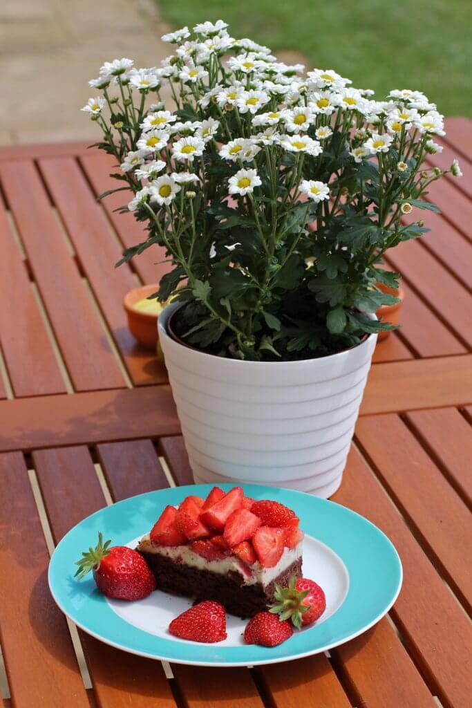 Clean Baking Rezept Brownies mit Erdbeeren