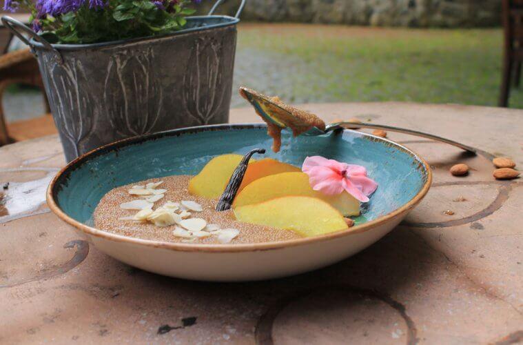 Ayurvedisches Frühstück: Amaranthbrei mit Vanille-Birnen