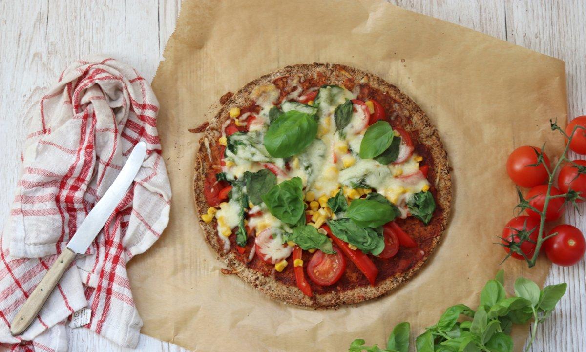 Knusprige Blumenkohl-Pizza glutenfrei